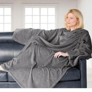 Brookside wearable blanket with sleeves grey